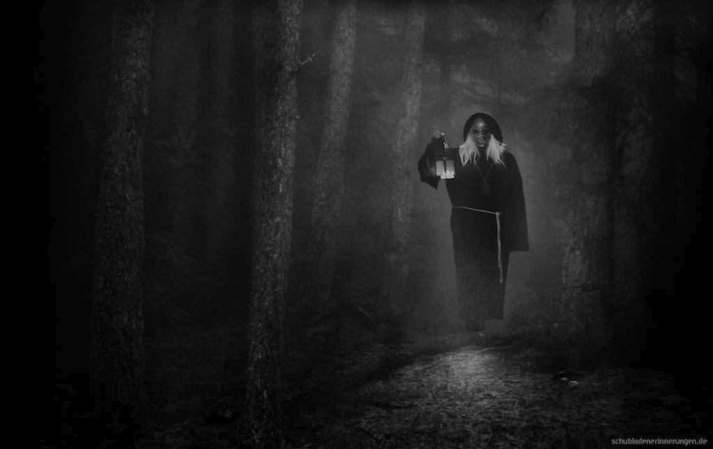 Im Schatten - der Herr des Molochs – Dadanaut